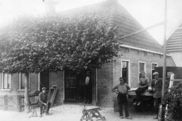 HF_Merkebuorren_Durk_wagenmakerij 1932