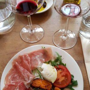 Italiaanse wijnproeverij in Den Haag