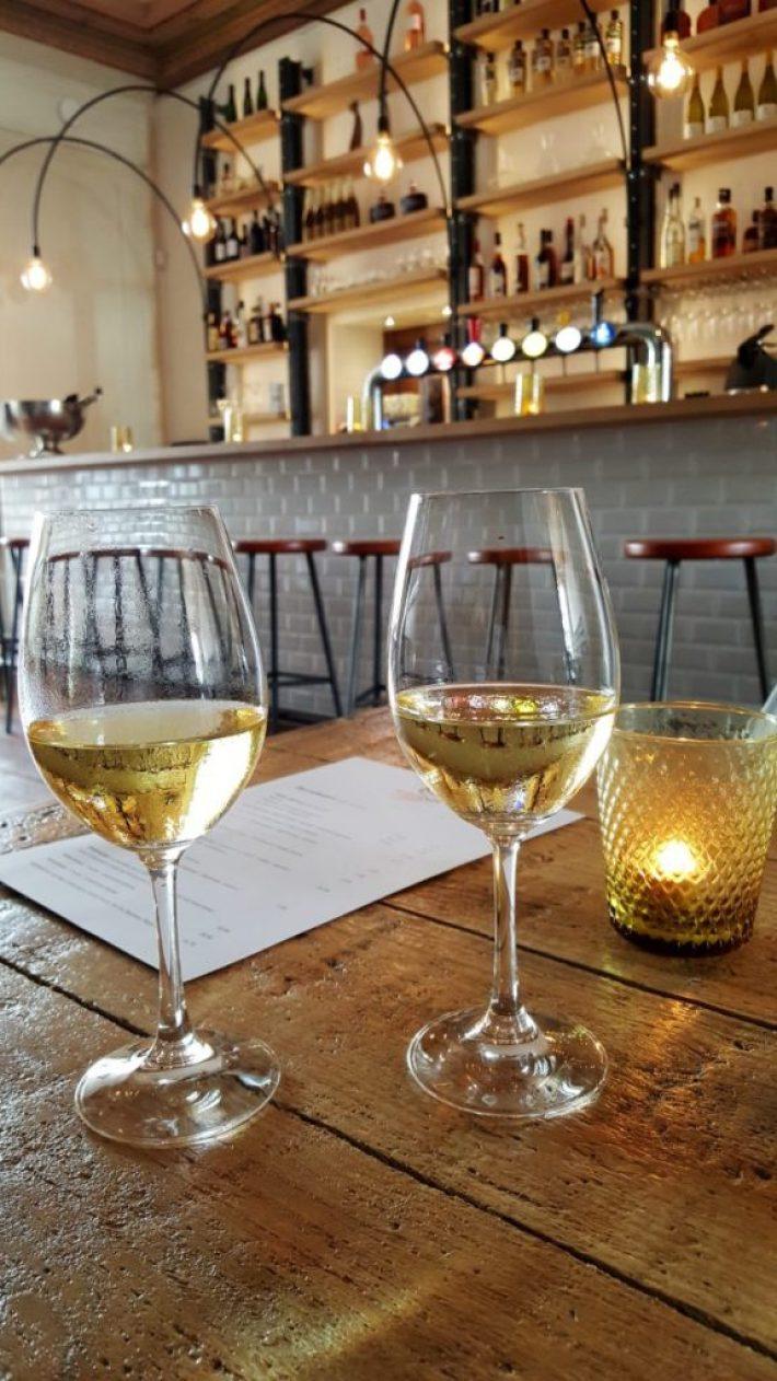 Vliegendt Hert in Middelburg: uitzicht op de wijnbar