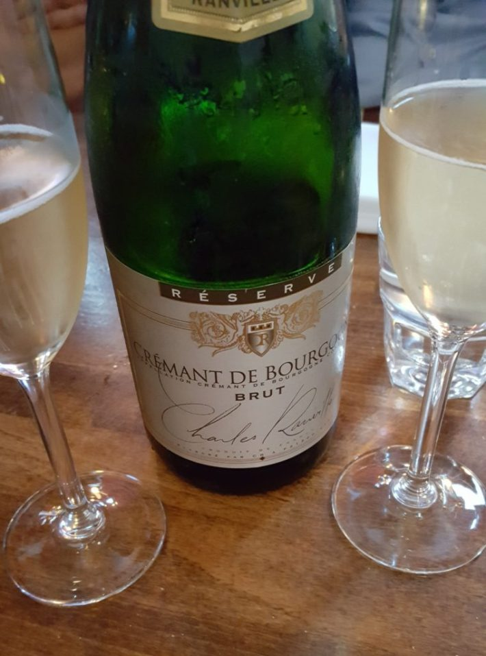 leuke restaurants in Den Haag: crémant de bourgogne