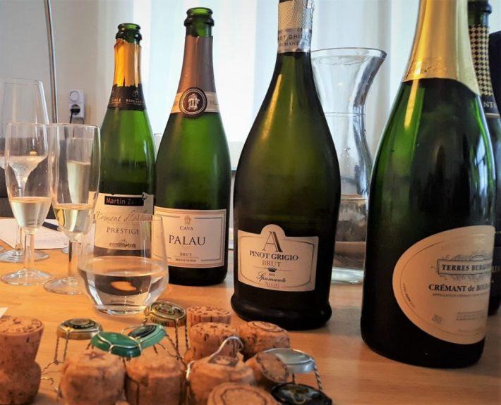 Alternatieven voor champagne: vier flessen