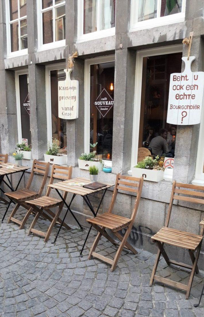 Tips voor eten in Maastricht: cafe nouveau kaasbar terras