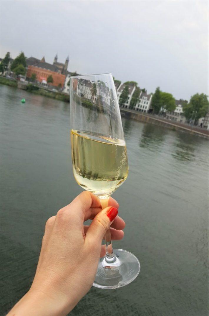 Borrelen en eten in Maastricht: cava bij cinq