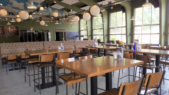 Borrelen en eten in Maastricht: tapijn interieur 2