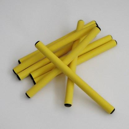 Profesionálne ohybné natáčky, latexové papiloty, sú vyrobené s extrémne odolného materiálu s výnimočnou citlivosťou pre vlasy, 6ks. Farba-žltá. Priemer: 1cm. Dĺžka: 13cm.