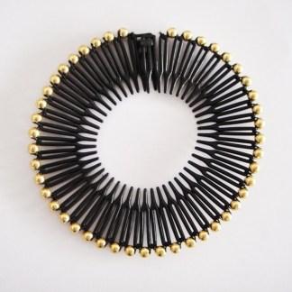 Štylová pružná hrebeňová čelenka do vlasov s korálikami. Farba- čierna. Rozmer: 3.5cm.