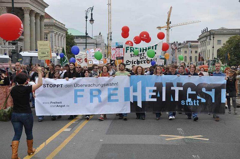 Freiheit statt Angst - Spitze des Zuges am 10.09.2011 in der Reichshauptstadt Berlin des Deutschen Reichs
