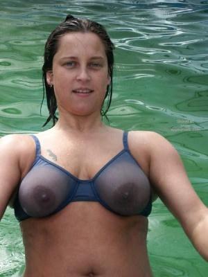 amateur side boob