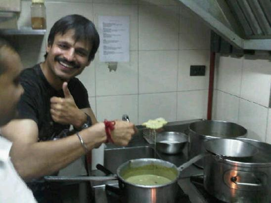 Vivek Oberoi cooking