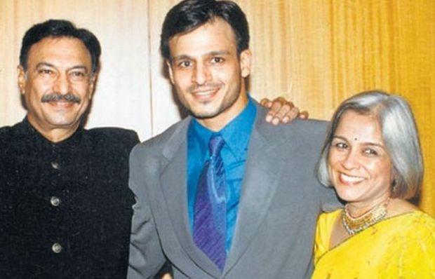 Vivek Oberoi with his parents