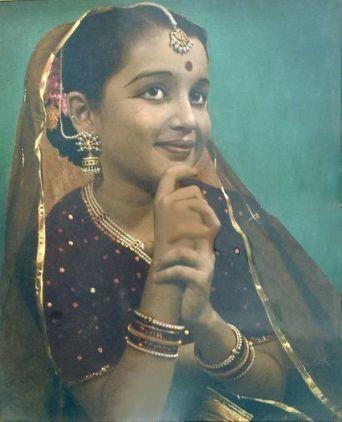Asha Parekh Childhood Photo