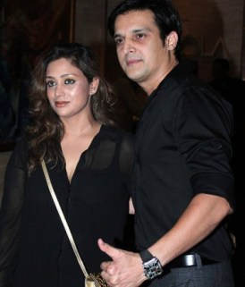 Jimmy Sheirgill with his wife