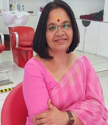 Bhagyalakshmi in her short hair