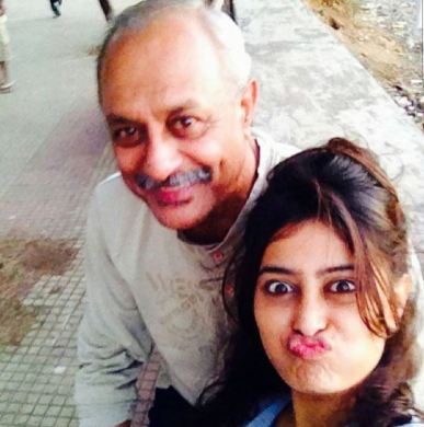 Nidhi Subbaiah with her father