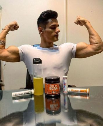 Jay Dudhane promting a fitness brand