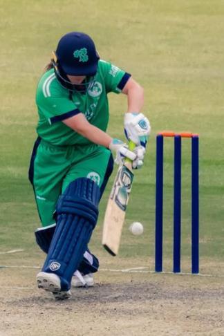 Amy Hunter batting