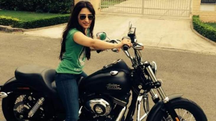 Anissia Batra, Mayank Singhvi's Wife