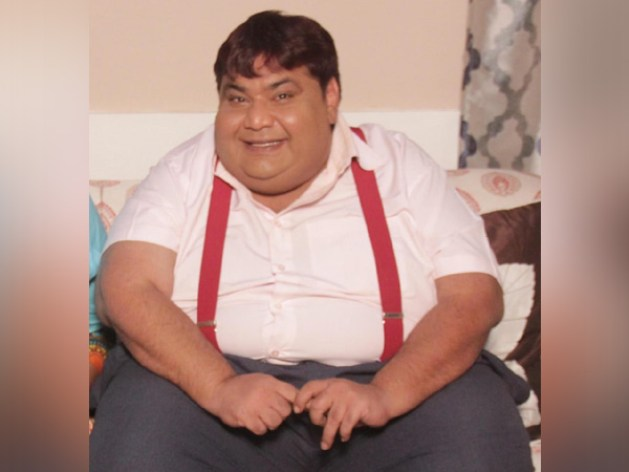 Kavi Kumar Azad, Dr. Hathi