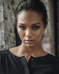 Deja Lighty: Wiki (Model), Age, Bio, Height, Boyfriend ...