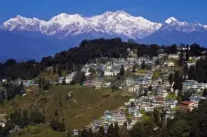 hoichoi-murder in the hills