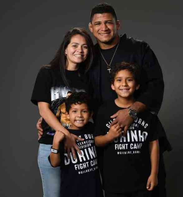An Image of Bruna Burns and her family