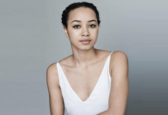 An Image of Emma Naomi