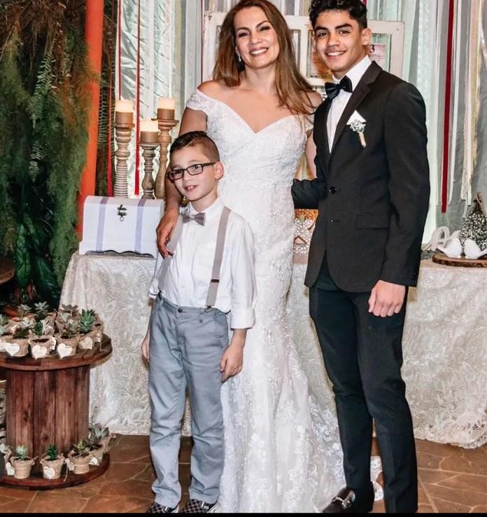 Alejandro Rosario Family