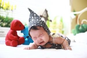 Penyebab bayi tidur gelisah di malam hari