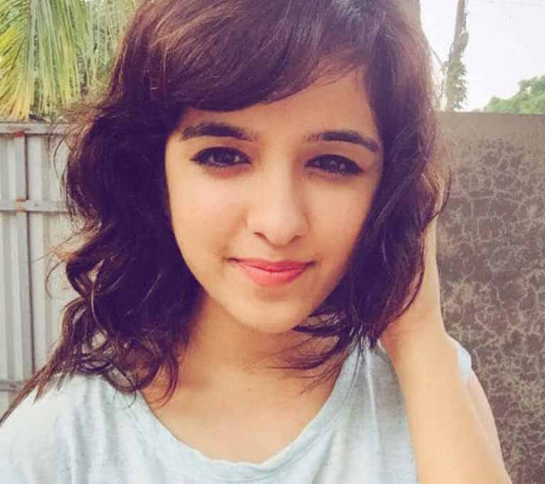 Shirley Setia wiki, age, Affairs, Family and More-3