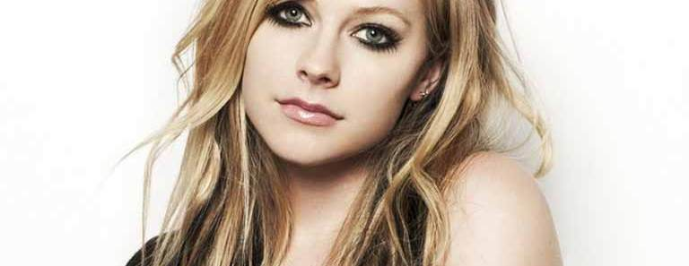 Avril Lavigne wiki, Age, Affairs, Family, Favorites and More