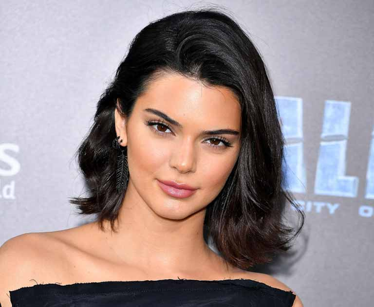 Kendall Jenner  wiki, Age, Affairs, Net worth, Favorites and More