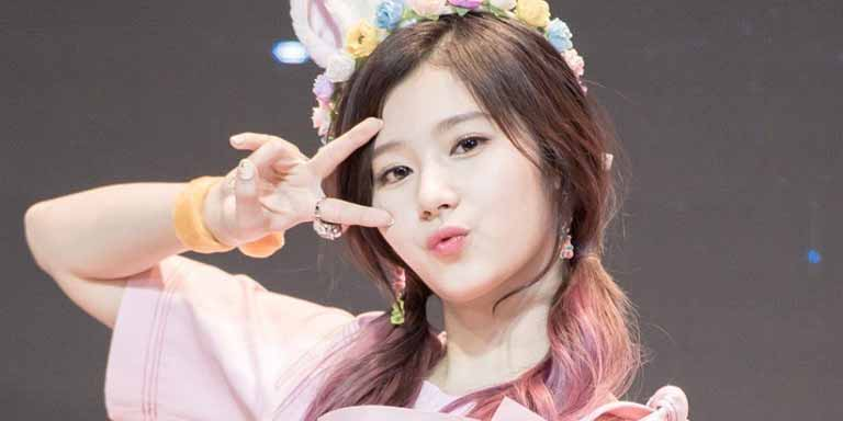 Sana (twice) profile, age, boyfriend, Kpop, family and more