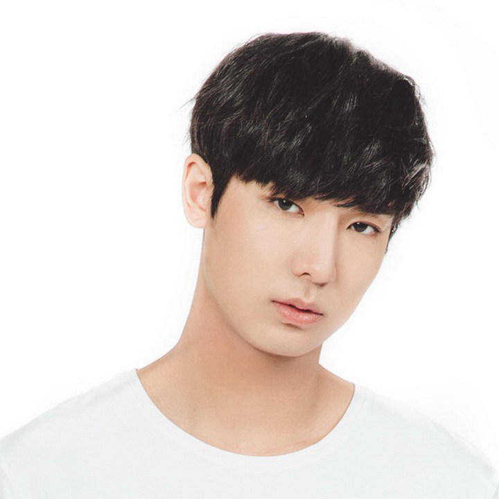 Yuto Pentagon Age Wiki Girlfriend Facts And More Wikifamouspeople