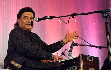 Anup Jatola Performing