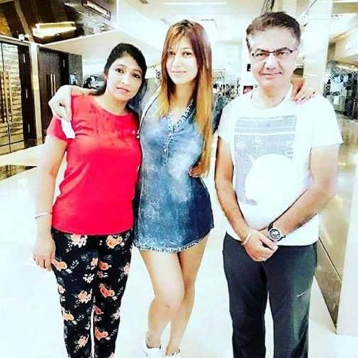 Jasleen with her Parents