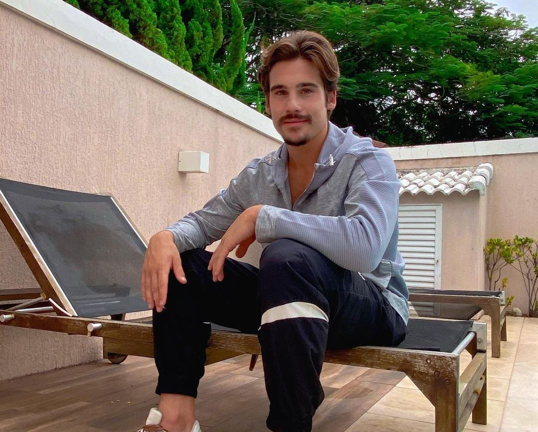 Nicolas Prattes (Actor) Wiki, Biography, Age, Girlfriends, Family, Facts and More
