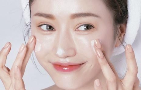 Da dầu có cần sử dụng kem dưỡng ẩm không? (2)
