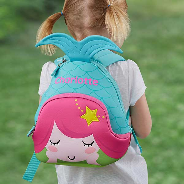 What do you keep in a Toddler's Backpack