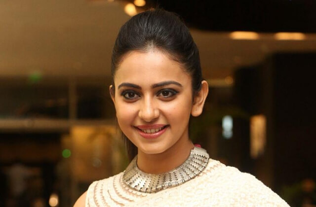 Rakul Preet Singh Age, Wiki, Photos, Bio, Boyfriend, Family, and Movies