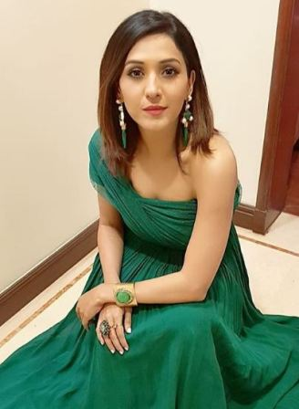 Neeti Mohan hot images