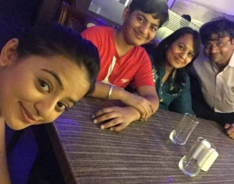actress helly shah family