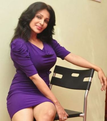 Hot Actress Flora Saini