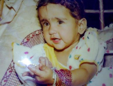 Childhood pic of Asees Kaur
