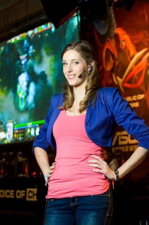 Beautiful DoTA Host Damn Sexy Dutch Girl Sheever