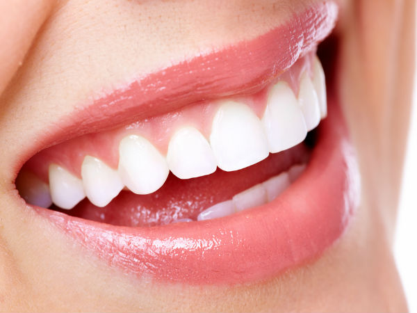 Remove Stains from your tooth tips
