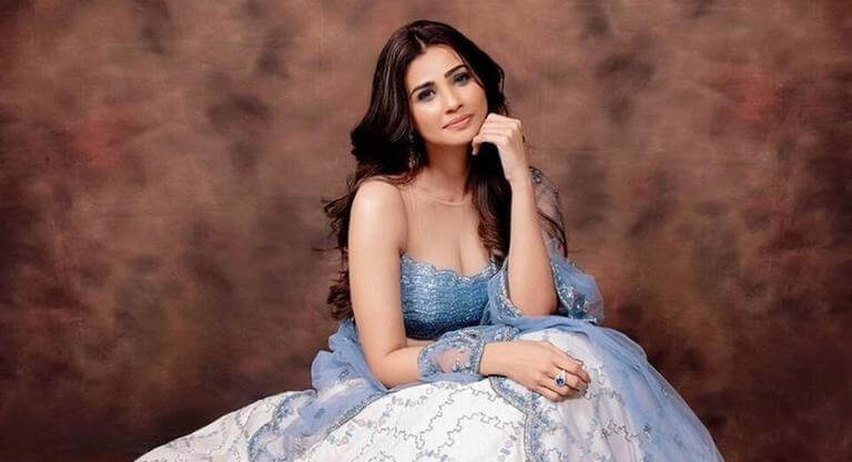 Daisy Shah Biography, Age, Height, Family, Boyfriend & More
