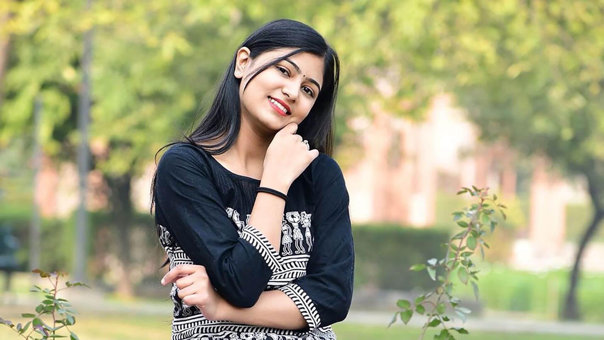 Surbhi Rathore Biography, Age, Boyfriend, Facts and More
