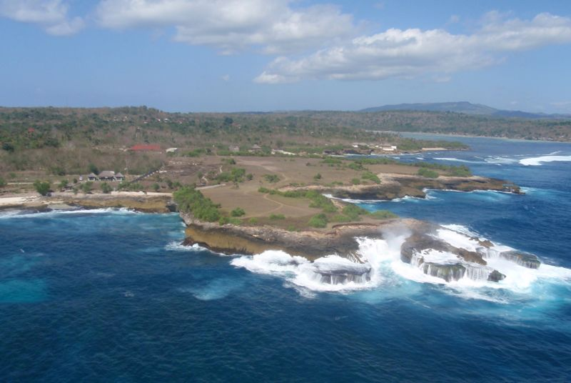 File:Nusa Lembongan Aerial cropped.jpg.jpg
