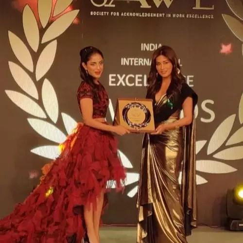 Priya Receiving SAWE 2019 award