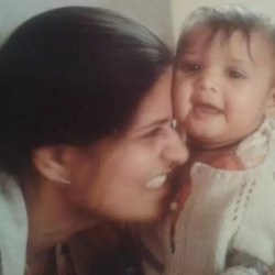 Gulki Joshi childhood picture